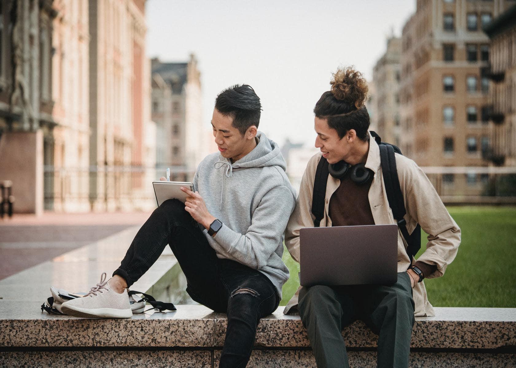 Service Management-Prinzipien erleichtern den Übergang für Hochschulstudenten